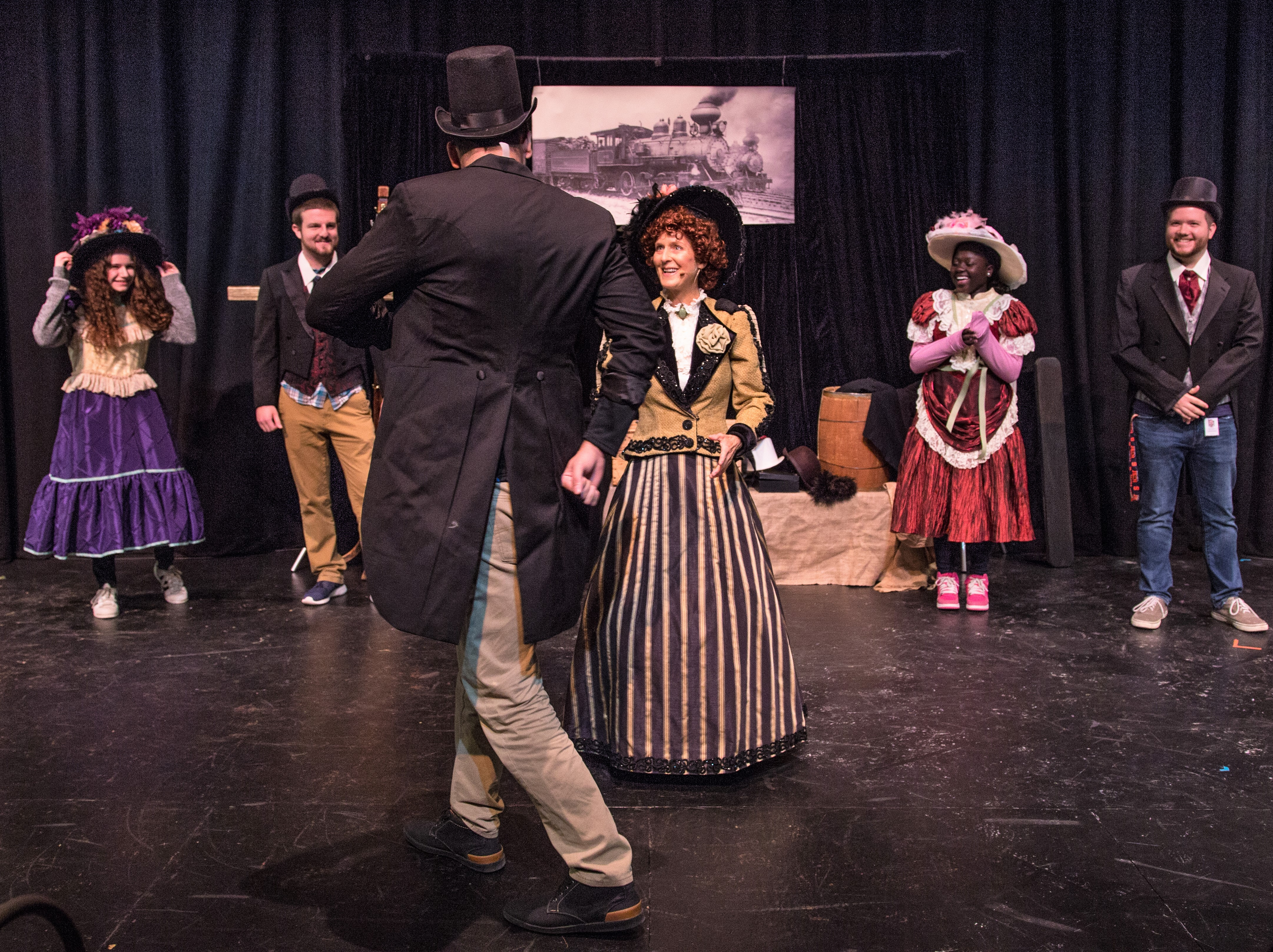 theatre and the industrial revolution New hampshire's industrial revolution: hands at work posted on: november 14, 2016 learn about the history of new hampshire's industrial revolution and explore industries such as textiles, shoe manufacturers, granite quarries, glass making and.